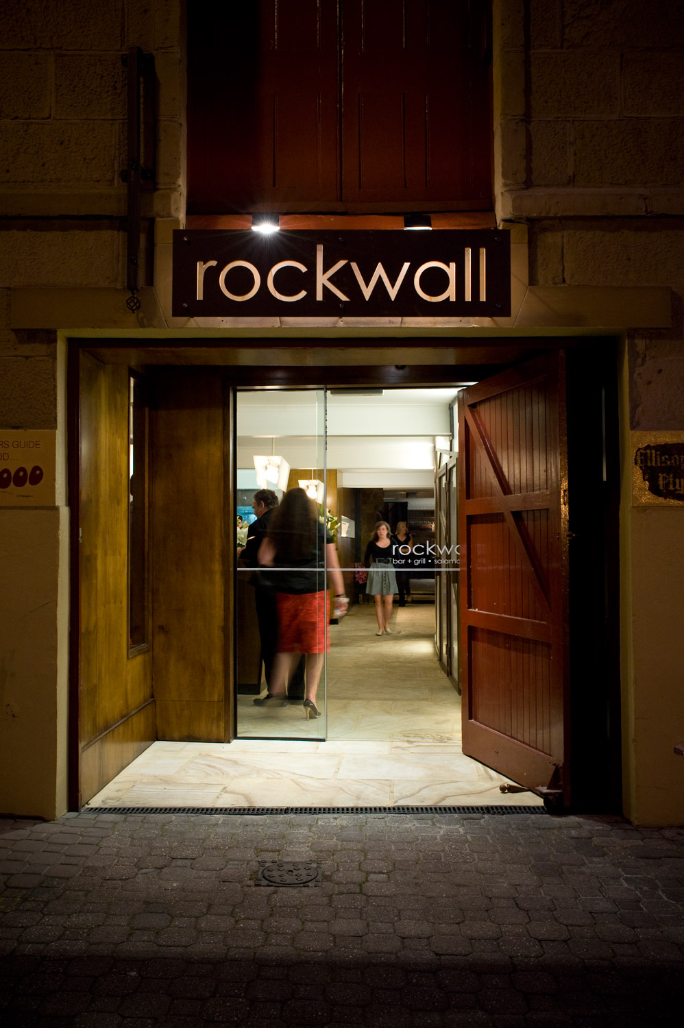 Rockwall Bar & Grill